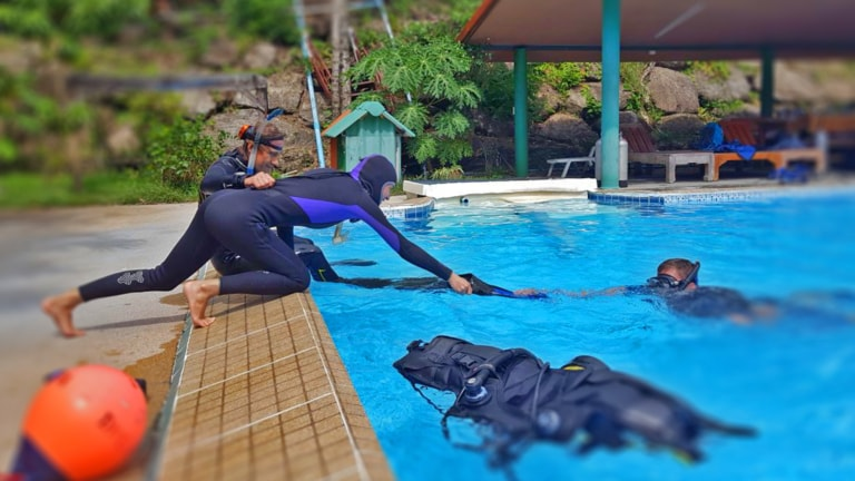 Price: 12 500 Baht Do you want to learn to take care not only of yourself, but also of the health and safety of other divers? Help in emergencies? You must complete the PADI Rescue Diver course!